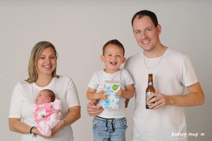 Photographe professionnel, photo famille arrivée de bébé